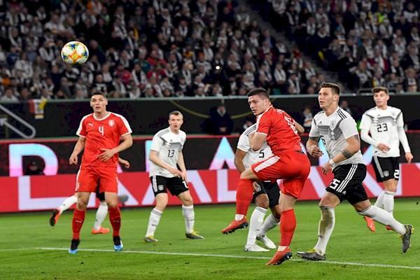 توقف آلمان مقابل صربستان پیش از بازی حساس با هلند