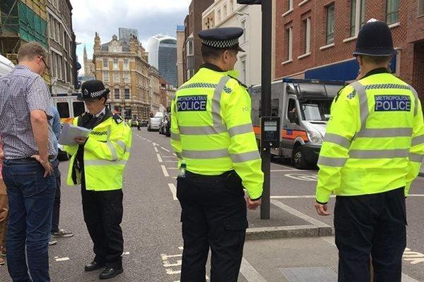 بازداشت 2 نوجوان انگلیسی که قصد اقدامات مخرب در مسجدی را داشتند