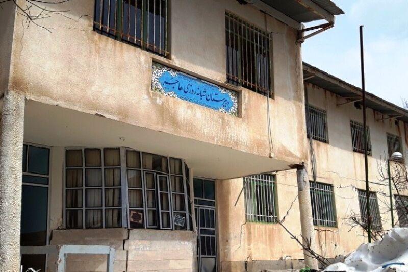 خبرنگاران امکانات اولیه تحصیل دانش آموزان حسین آباد کالپوش فراهم شد