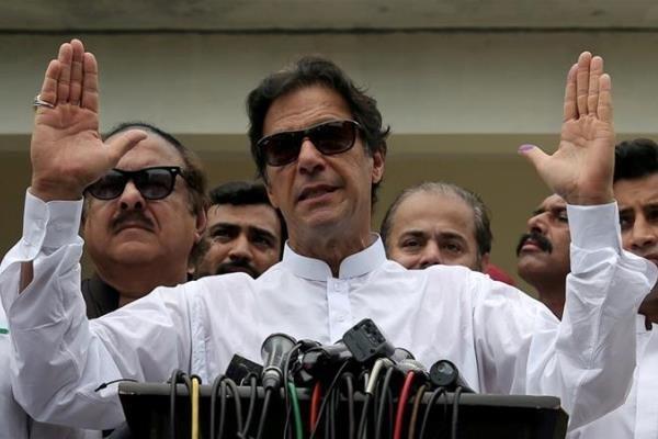 انتقاد شدید عمران خان از تصمیم اخیر هند درباره کشمیر
