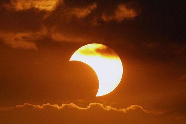 جزئیات خورشید گرفتگی ، کسوف اول تیر در مناطق مختلف چه ساعتی رخ می دهد؟
