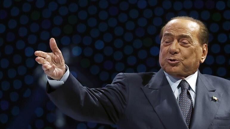 نخست وزیر پیشین ایتالیا هم در تعطیلات به سفر رفت و کرونا گرفت!