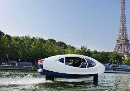 خودروی خودرانی که روی آب حرکت می نماید