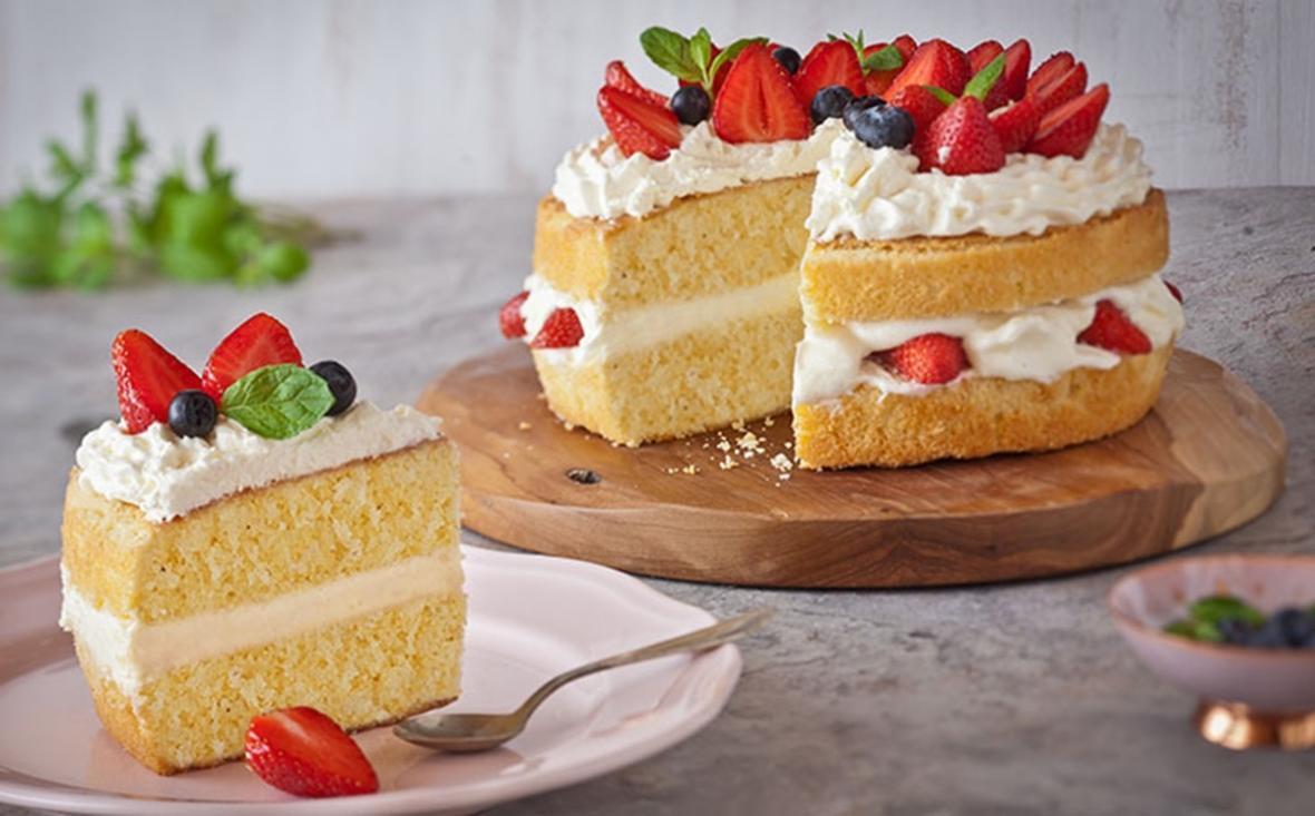 2 طرز تهیه کیک شیفون 2 یا 4 تخم مرغی ساده و شکلاتی؛پایه کیک تولد و عروسی