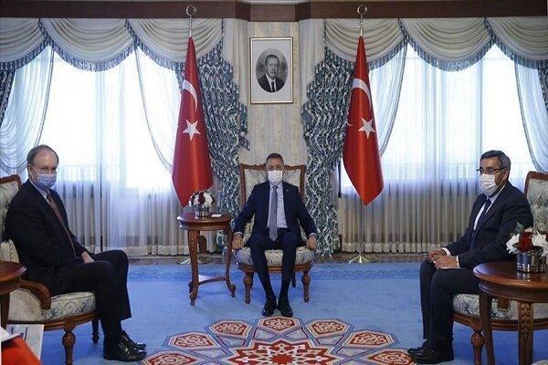 معاون اردوغان با نماینده اتحادیه اروپا در امور ترکیه ملاقات کرد