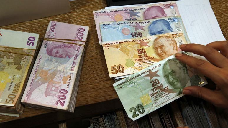 نرخ برابری لیر به پایین ترین حد در مقابل دلار آمریکا رسید