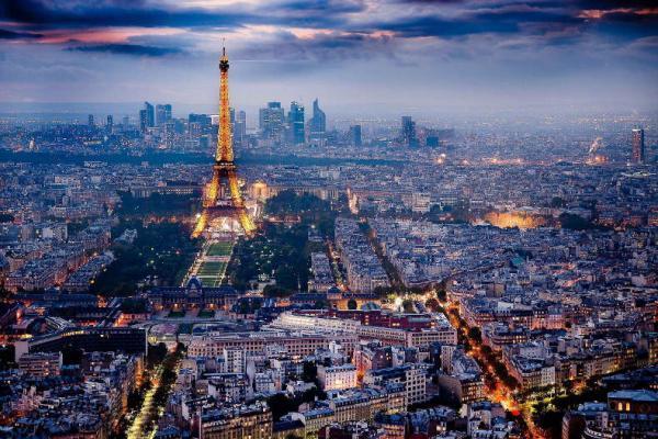 فرانسه، در صدر کشورهای محبوب گردشگران