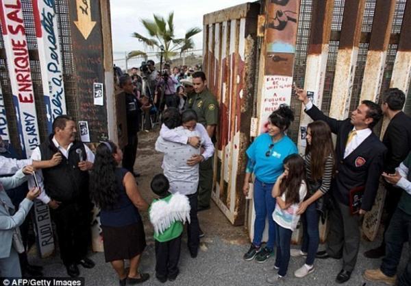 یک میلیون مهاجر سال جاری به مرز آمریکا-مکزیک خواهند رسید