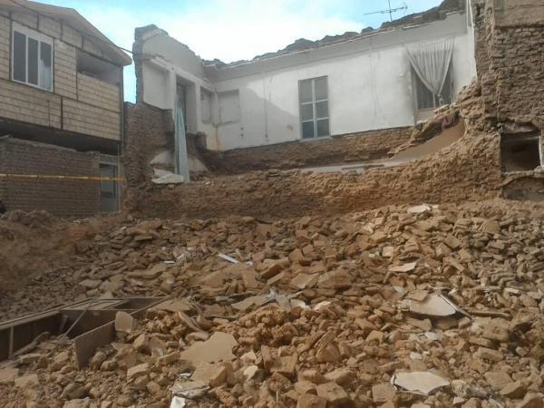 خبرنگاران حادثه ریزش آوار در قم به مصدومیت چهار کارگر ساختمانی منجر شد