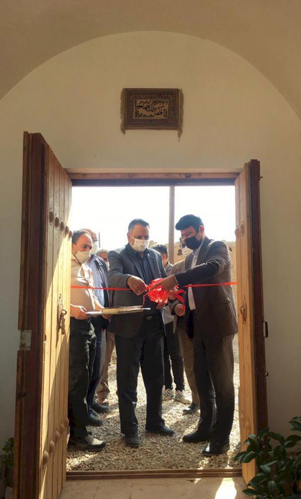 اقامتگاه بوم گردی دژ گلی در روستای بیابانک سرخه افتتاح شد