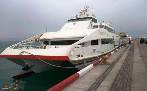 اولین کشتی پیشرفته گردشگری ایرانی در ساحل کیش، عکس
